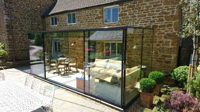 cleaning your glass room in summer